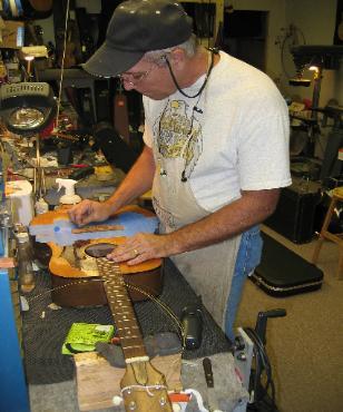 Luthier Steve Lamb