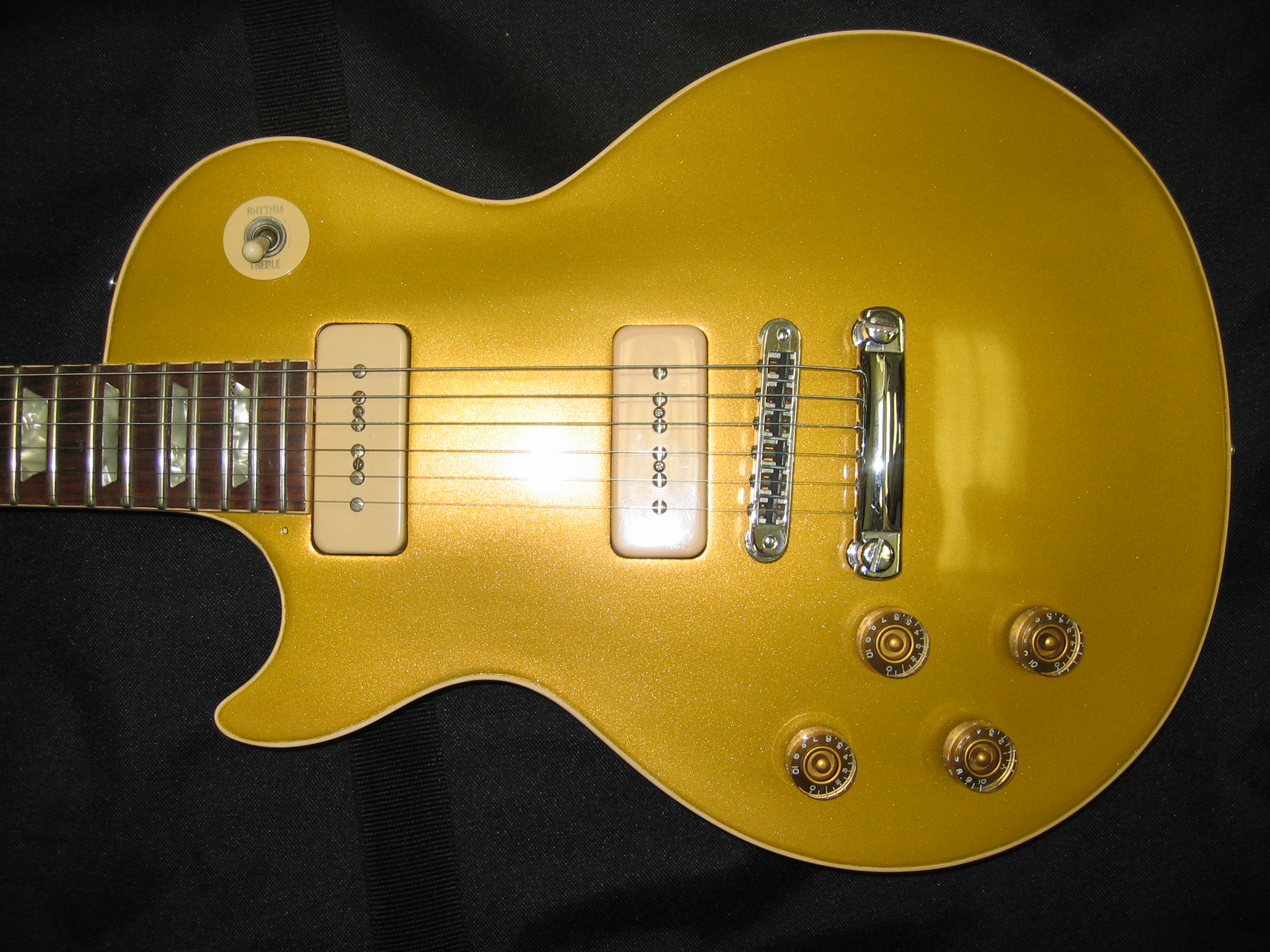 New Gold Finish on Left Handed LP Custom Guitar Paint